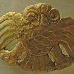Kalıntılara göre yeniden işlenmiş bir at eyeri/ Pazırık-Altay 2.Bash-adar Kurganı(Tarih tam olarak bilinmemekle beraber ana pazırık mezarlarından daha eskidir.)